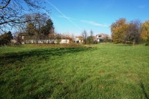 Terrain de 357m² à Reyrieux